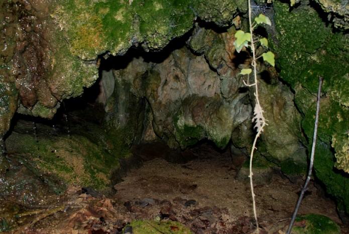 Piccola grotta